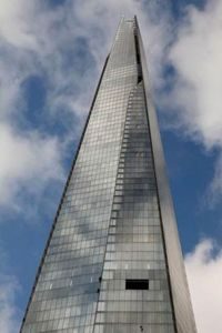 Greenpeace activists scale the Shard; image from: http://iceclimb.savethearctic.org/